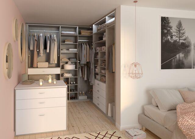 Un dressing ouvert dans votre chambre